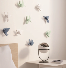 9 stk. Kolibri i hvid, grå og pastelgrøn til ophæng med klæbemiddel