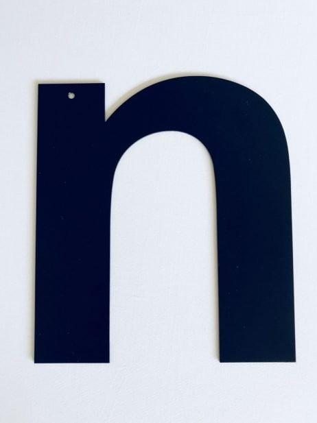 Bogstav i   sort 50 cm. - Statement letter