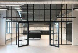 Glasvæg 90x250 cm i ægte new york stil, flot design